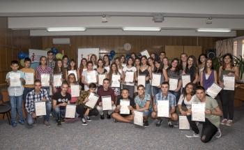 Връчиха сертификатите на Кеймбридж от юнската сесия