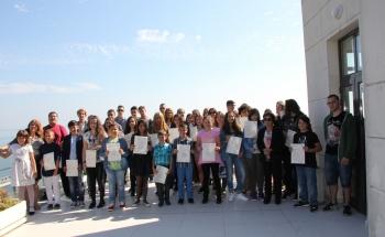 Връчиха сертификатите на Кеймбридж в Бургас