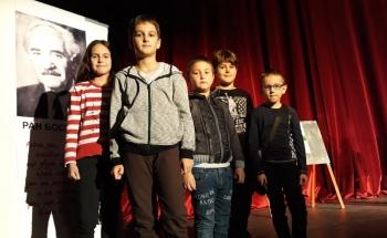 Чудото на коледния дух в Училища ЕВРОПА - Перник